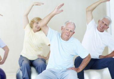 старики гимнастика плеча