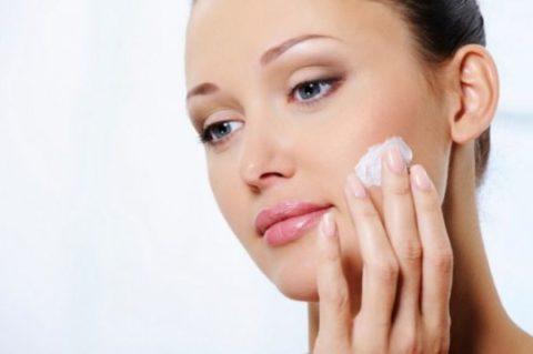 После завершения чистки следует обязательно защитить лицо посредством использования крема или иного средства.