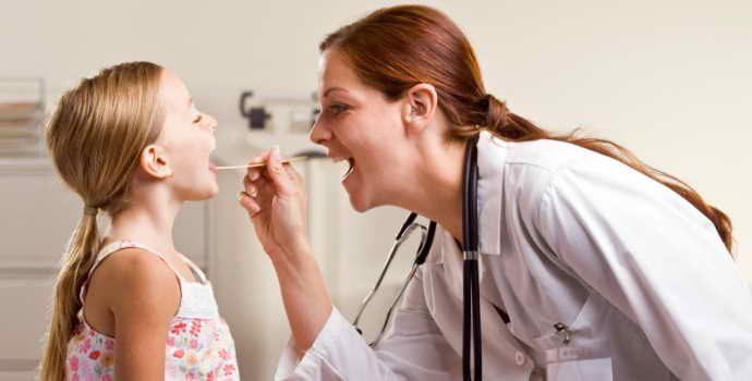 Как вылечить стоматит у детей