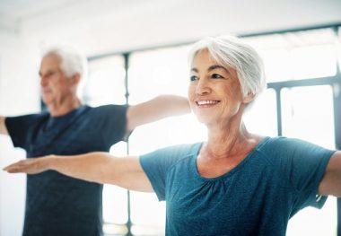 женщина пожилая упражнения