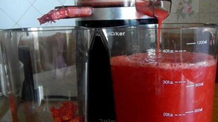 Полезные свойства томатного сока и можно ли его пить при сахарном диабете 2 типа