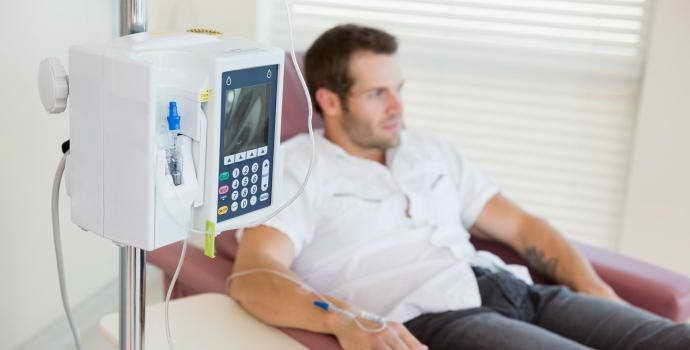 Стоматит после химиотерапии: причины появления, как решается проблема?
