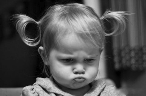 Капризность и плаксивость – один из симптомов нейротоксикоза