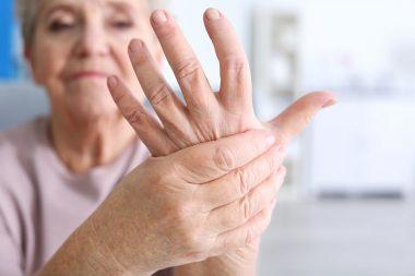 онемение рук у женщины
