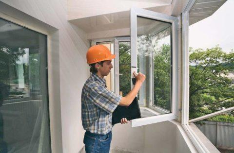 При проведении покрасочных работ обязательно нужно обеспечить доступ свежего воздуха.