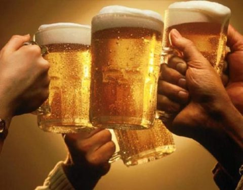 Ни одна дружеская вечеринка не обходится без пива.