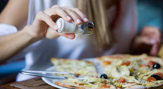 Погрешности в еде и прыщ на языке