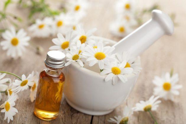 В составе противовоспалительных зубных паст присутствуют вытяжки лекарственных растений