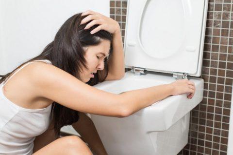 Рвота помогает вывести токсины из организма.