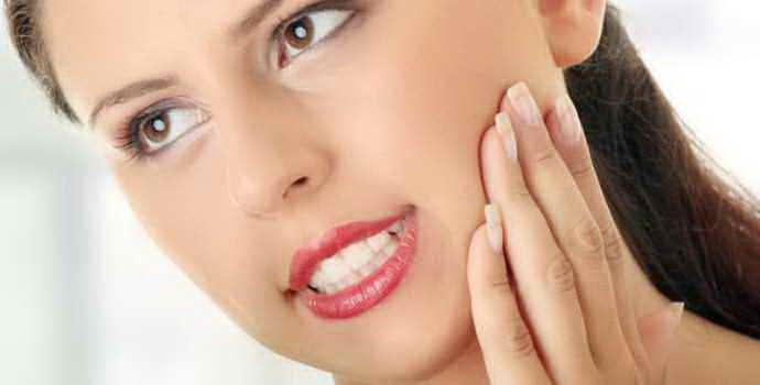 Как себя вести, если после удаления зубов мудрости опухают щеки