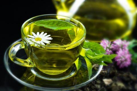 Зеленый чай выведет токсины и повысит тонус кожи.