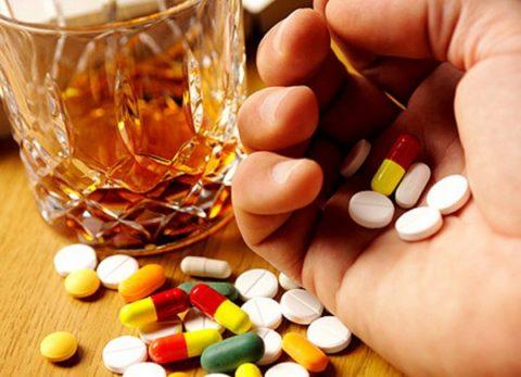 Алкоголь – плохой союзник при приеме медикаментов