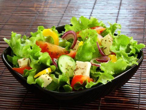 Овощи и фрукты – оптимальный вариант питания перед проведением чистки.