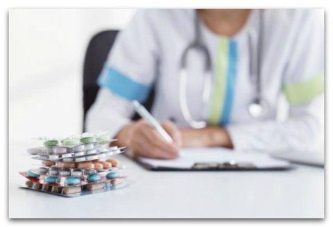 Обычно специалист выписывает целый комплекс препаратов