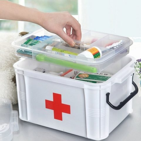 В домашней аптечке обязательно должен присутствовать порошок от отравлений.