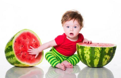 Малышам «сомнительный» плод лучше не есть