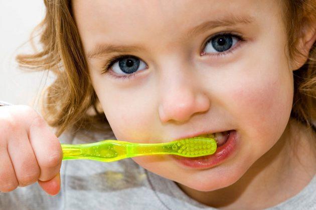 Есть три разновидности паст Лакалют для летей: Lacalut Baby, Lacalut Kids, Lacalut Junior