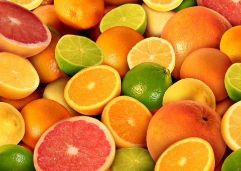 Аромат и вкус цитрусовых помогут уменьшить тошноту.