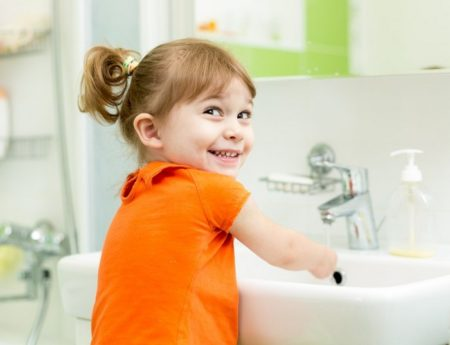 Все о профилактике заболеваний глистами у детей: симптомы и первые признаки