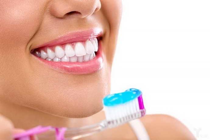 Отсутствие или неправильный уход за полостью рта