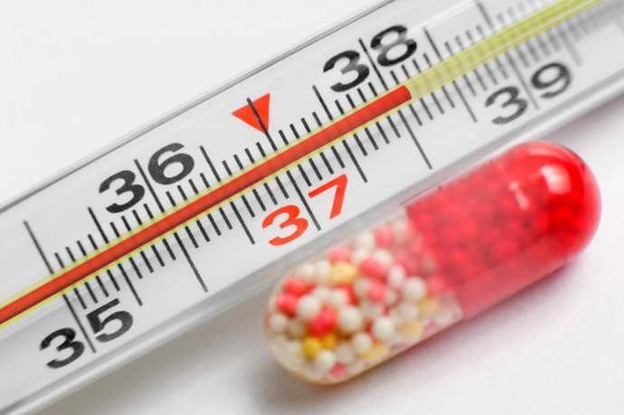Повышенная температура тела - до 38 градусов при стоматите