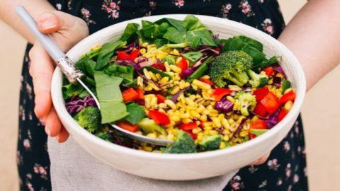 В подготовительный период и во время чистки предпочтение следует отдавать вегетарианской пище