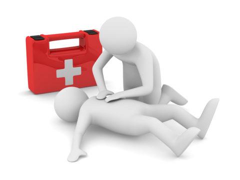 Проведение реанимации может спасти жизнь пострадавшему
