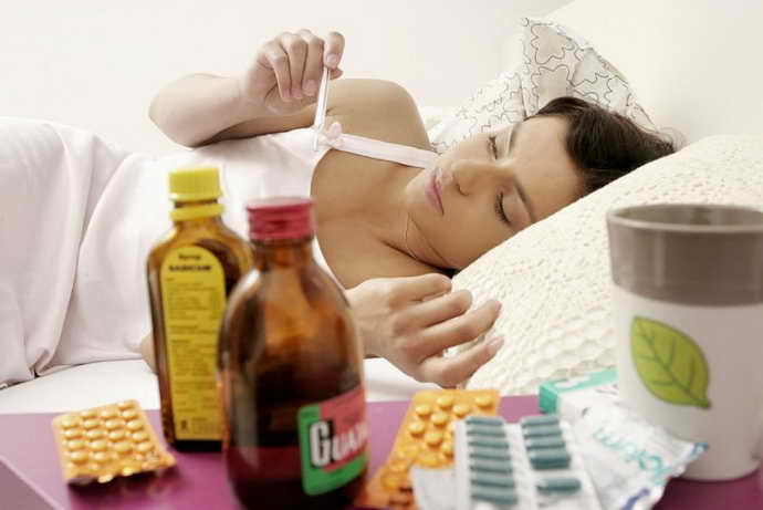 При высокой температуре – жаропонижающие лекарственные средства