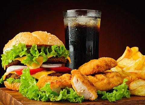 Фастфуд – это первое блюдо, которое кушать нежелательно
