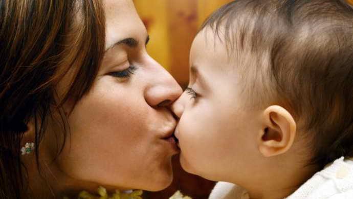 Заразен ли кариес при поцелуе