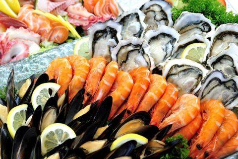 Что делать при отравлении морепродуктами, должно быть известно каждому человеку